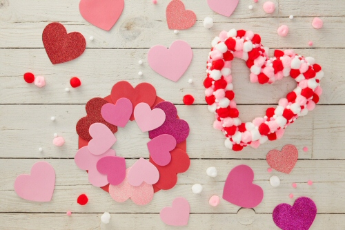 2 Ways to Make a Heart Wreath for Valentines Day
